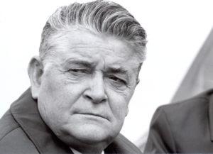 """Eduard Wallnöfer (* 11.12.1913 in Schluderns; † 15.03.1989 in Innsbruck) war von 1949 bis 1963 Landesrat für Land- und Forstwirtschaft und von 1963 bis 1987 Landeshauptmann von Tirol. Als """"Agrarlandesrat"""" war Eduard Wallnöfer damals auch Vorsitzender des Landesagrarsenates Tirol"""