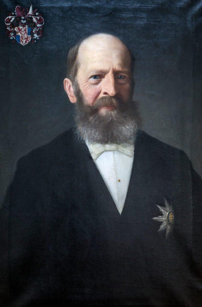 Anton Graf und Herr zu Brandis (* 24. Februar 1832 in Laibach; † 14. Mai 1907 in Lana - Anton Adrian Karl Leopold Graf und Herr zu Brandis, so der vollständige Name), war Tiroler Landeshauptmann vom 30. September 1889 bis zum 25. April 1904. Er stammt aus dem Adelsgeschlecht der Grafen von Brandis mit Stammsitz auf Schloss Brandis in Lana/Überetsch. Sein Vater Clemens Graf von Brandis war Gouverneur von Tirol und Vorarlberg (1841 bis 1848). Seine Mutter stammte aus dem belgisch-österreichischen Adelsgeschlecht der Enffans d'Avernas, ursprünglich beheimatet im Herzogtum Branant, Belgien. Sein Erzieher war der bekannte Tiroler Historiker Albert Jäger. Anton Graf von Brandis verfasste selbst historische Arbeiten, insbesondere über seine Heimatgemeinde Lana.  1865 entsandte ihn der Landgemeindebezirk Meran in den Tiroler Landtag, von 1871 bis 1902 vertrat er im Landtag den Landgemeindebezirk Brixen und von 1902 bis August 1904 den adeligen Großgrundbesitz. Nach dem Tod von Landeshauptmann Dr. Franz Rapp ernannte der Kaiser Anton Graf von Brandis zum neuen Landeshauptmann von Tirol. Er bekleidete das Amt für 15 Jahre.  Anton Graf von Brandis erwarb sich besondere Verdienste um das Tiroler Schulgesetzes von 1892, wofür ihm der Kaiser die Würde eines geheimen Rates verlieh. Er war ein hervorragender Verwaltungsfachmann mit besonderen Neigungen für die Neuordnung der Grundsteuer sowie alle Probleme der Gemeindeverfassung und Gemeindeverwaltung. Über den letzteren Themenkreis schrieb Brandis eine gründliche Abhandlung zur Gemeindeverfassung von Lana. Auf ihn geht das Tiroler Fraktionengesetz von 1893 zurück; sein tiefblickender Ausschussbericht dazu an den Tiroler Landtag lässt erkennen, dass dieses Gesetz dem Kern nach auf die alten Wirtschaftsgemeinschaften abzielt, denen eine neue Rechtsstruktur im Rahmen der Gemeindeverwaltung eingeräumt werden sollte.
